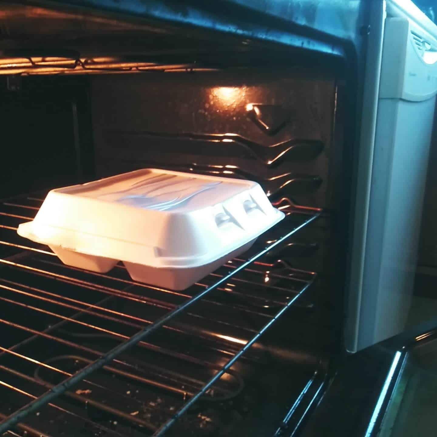 Styrofoam-Container-in-the-Oven
